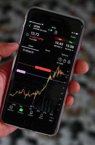 Dit jaar is het NIET verstandig om aandelen in mei te verkopen